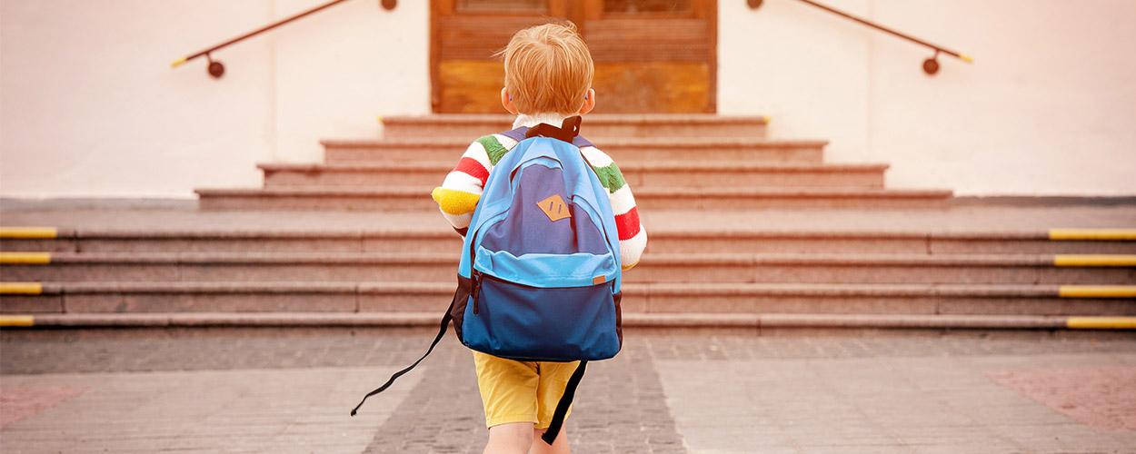 4 tips για νακάνεις πιο ομαλή την επιστροφή στο θρανίο για το παιδί σου.